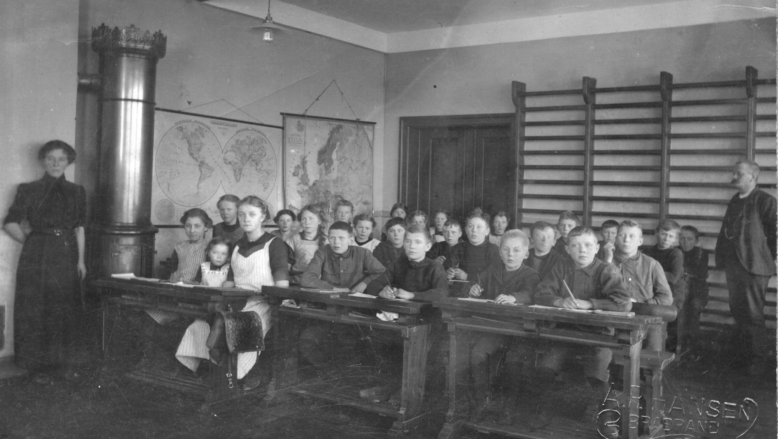 skolen for 100 år siden