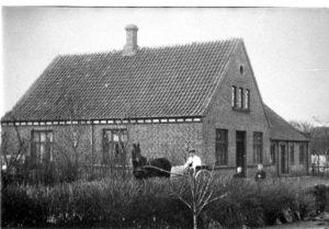 Dyrlæge J. Kjeldsen i Bysvinget 1908.