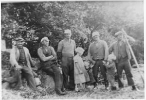 På arbejde i Borum i sommeren 1936.